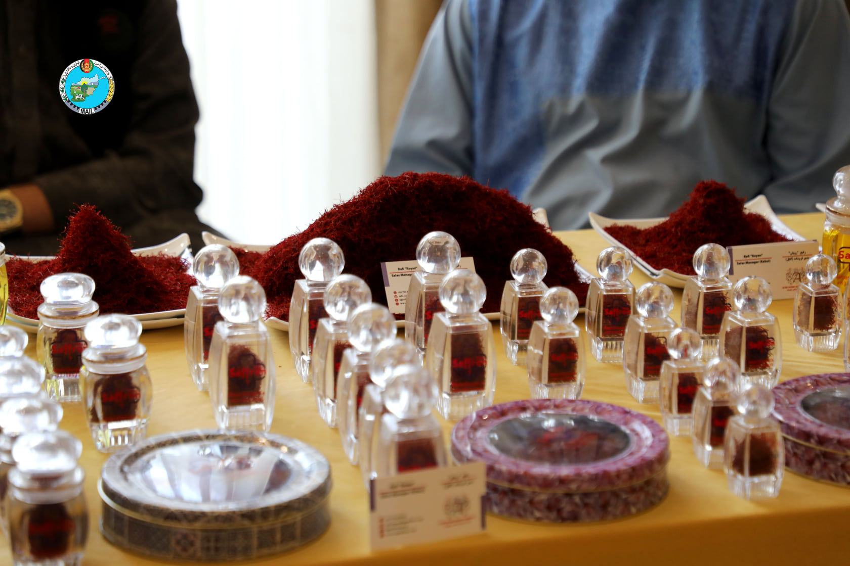 Large exhibition of saffron according to the picture