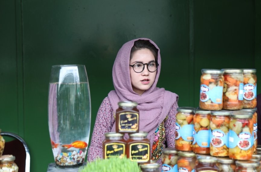 A woman who got a Million AFN from selling her Handicrafts